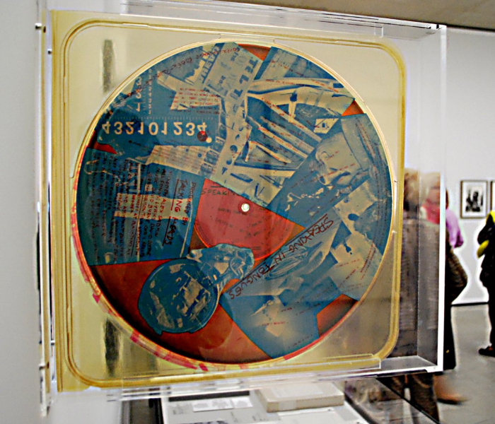 robert-rauschenberg_speaking-tongues-from-talking-heads_1983