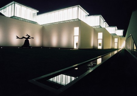 ESSL Museum, 	Inner courtyard at night