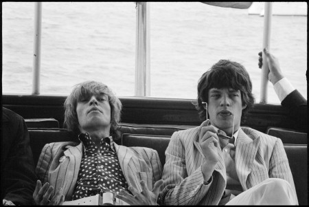Brian Jones & Mick Jagger, New York, 1966 copyright Paul McCartney, fotografija: Linda McCartney