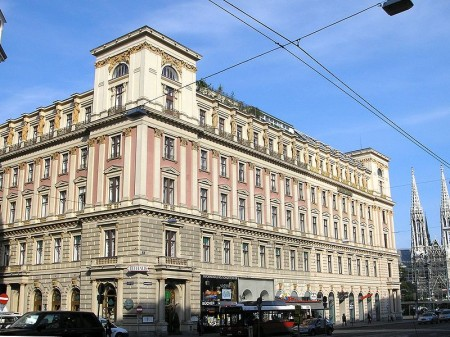 800px-Palais_Ephrussi_Vienna_June_2006_119