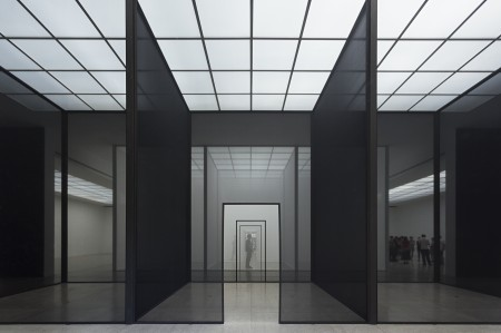 "R. Irwin ""Double Blind"", Secession 2013, Photo: Philipp Scholz Rittermann"