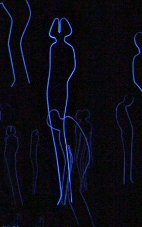 "Humanimals ""Figure installation"" (2013), aluminium wire, paint, fluorescent pigments"