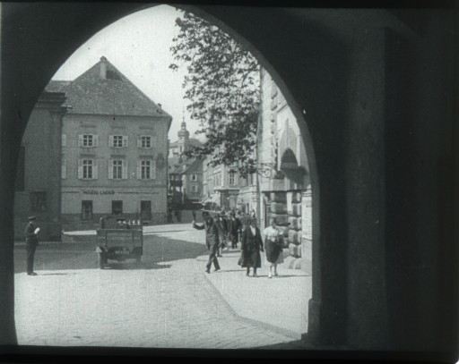 A walk through Graz (Kaderscan),  Production: Austria in sound and vision Nr. 50a/1934, b/w, sound, © Filmarchiv Austria