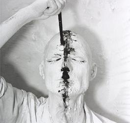 Rudolf Schwarzkogler 6. Aktion, 1966 Gelatin Silver Print, 39,6 x 29,40 cm Österreichische Fotogalerie / Museum der Moderne Salzburg